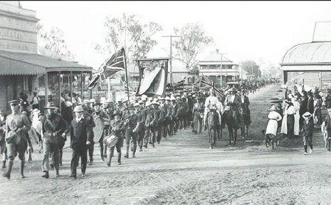 1915 Laidley Recruiting Servicemen