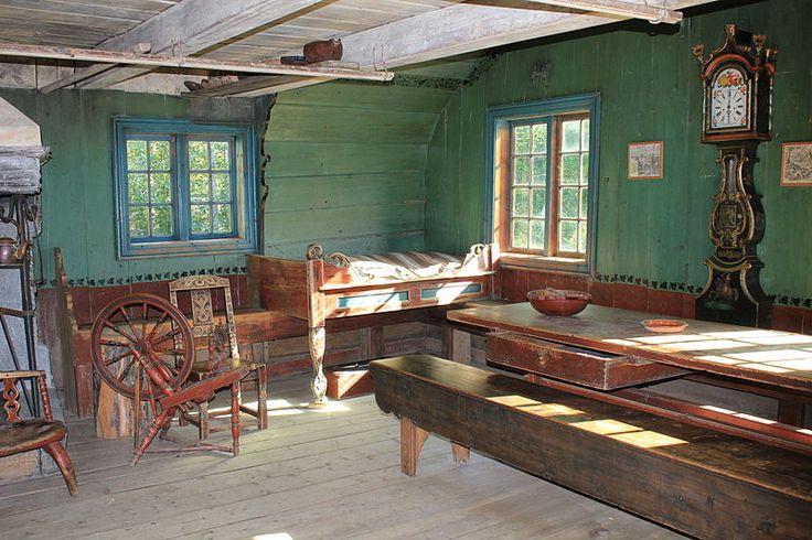 Vinterstua på Maihaugen ble bygd på slutten av 1600-tallet. Den ble flyttet og innredet på ny av Rolv Kristensen Øygard i 1785.