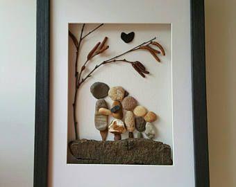 Arte familia guijarro, familiar de cinco arte, personalizado regalo familiar arte, regalo de inauguración de la casa de familia, regalo de aniversario familia
