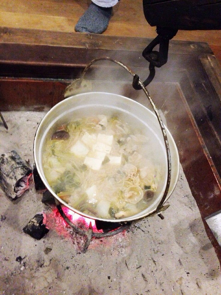 囲炉裏で鍋!!