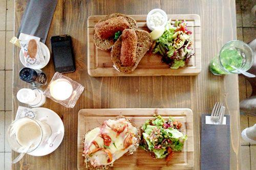 Fier in Amsterdam serves Belgium dishes. Simple en artisan food.