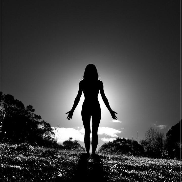 Наше нынешнее состояние и то что случается с нами-это результат прошлых поступков и действий. Так и с телом, вы прочитали тонну книг на тему как похудеть/поправиться/,не воспользовались ими, что то пытались начать, но не доводили дело до конца или махали рукой, вроде и так сойдет, а потом возвращались к мысли «да нет же я так не хочу» и вот она ломка, тело сознание и душа пытается вывернуть на изнанку.  Каждый раз начиная заново, мы представляем светлую картину будущего, делая не правильные…