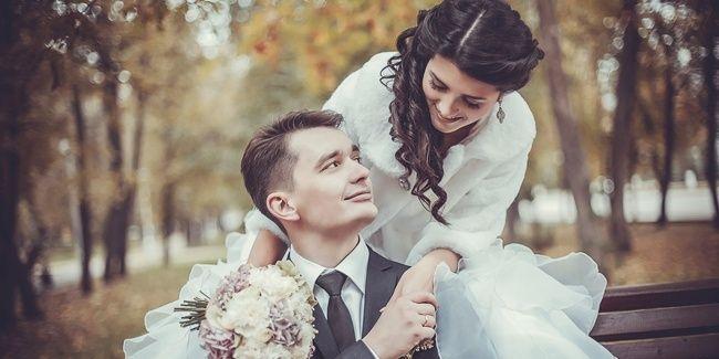 Pernikahan bukanlah hal sepele dan sederhana seperti kelihatanya, terutama bagi seorang wanita yang di masa depan nantinya akan menjadi istri, ibu maupun menantu. Ada tiga hal yang harus direnungkan dan dipersiapkan oleh seorang wanita sebelum menikah.