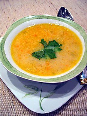 bu akşam yaptığım çorba istanbul'un buz gibi havasına çok uygun bir tarif oldu. diğer çorbalardaki gibi blendırdan geçirmek yerine hepsini mutfak robotunda ince ince kıyıp öyle pişiriyorsunuz. malzemeler: 1 baş kuru soğan, yemeklik doğranmış yarım çay bardağı zeytinyağı 1 yemek...
