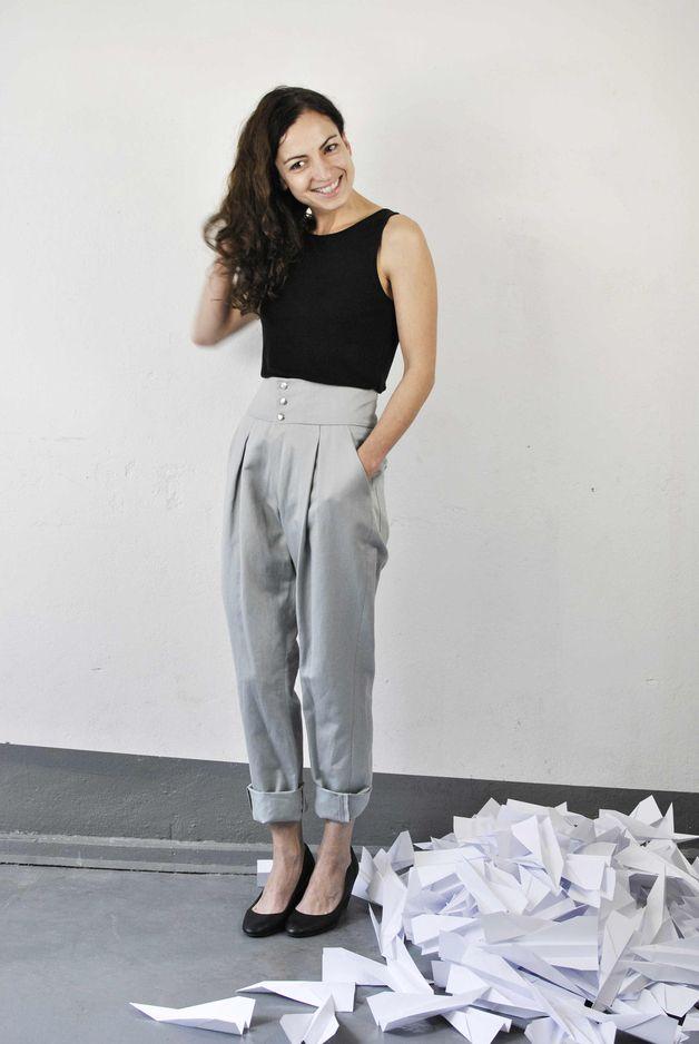 Bundfaltenhose mit hoher Taille // high-waisted pleated pants via DaWanda.com