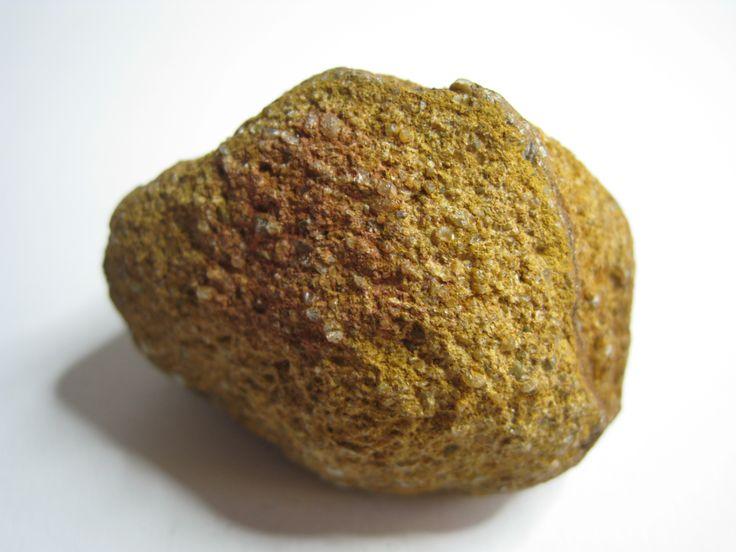 Vulkanische bom. Een vulkanische bom of lavabom is een groot brokstuk dat bij een vulkaanuitbarsting de lucht in geslingerd is.