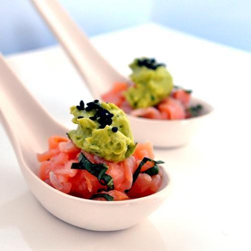 Tuna tartar: Cream Canapes, Salmon Avocado, Amazing Food, Serving Idea, Avocado Cream