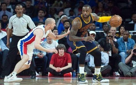 Kyrie Irving anotó 31 puntos, incluidos 20 en la segunda mitad, y los Cavaliers de Cleveland barrieron a los Pistons de Detroit en su serie de la ronda inicial de la postemporada, al imponerse el domingo por 100-98