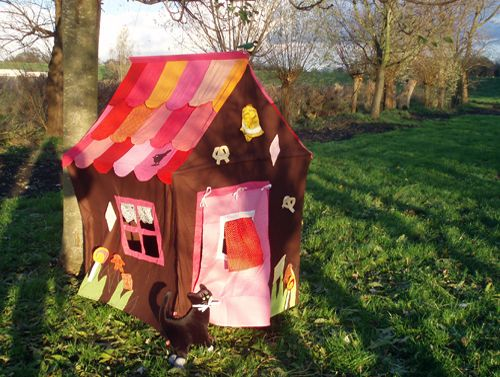 Speeltent Koekhuisje van Hanging Houses / Playing tent Ginger bread house from Hanging Houses