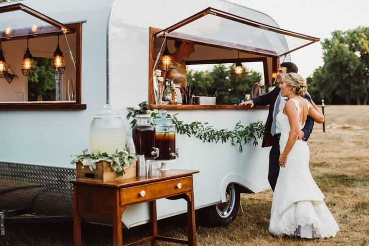 Mobile Bars Are The Latest Wedding Trend You Need Get On Board With Food Truck Wedding Wedding Food Truck Catering Wedding Catering