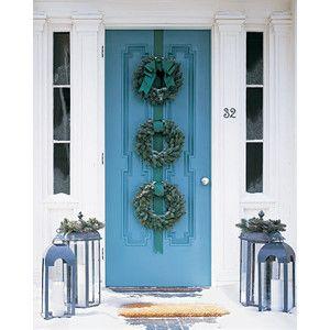 Door: Holiday, Triple Wreath, Front Door, Front Doors, Wreath Idea, Wreaths, Three Wreath