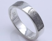 Finger print wedding rings; taking simple to a unique level
