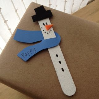 Snowman Gift Tags using a popsicle stick & some felt. How cute. #christmas #winter #gift #wrapping #presents #packaging #holidays