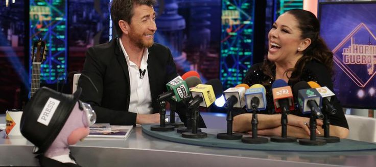 "antena 3 on Twitter: ""Isabel da su receta del 'pollo a la Pantoja' a Trancas y Barrancas  https://t.co/w6akCGsopR #PantojaEH https://t.co/Bi8HoHAS67"""