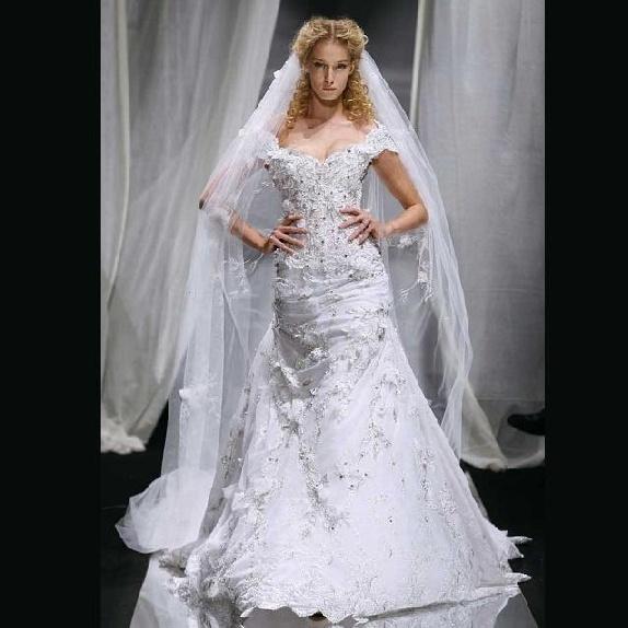 Giorgio armani dresses pinterest for Giorgio armani wedding dress