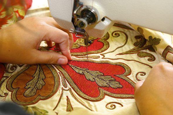 Klasyczny haft maszynowy jest wymagająca techniki haftu