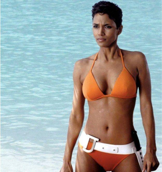 Halle Berry luce un cuerpazo de escándalo en bikini sin