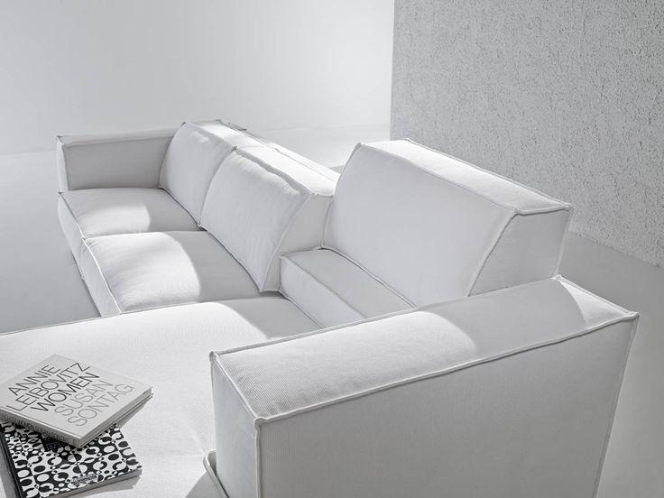 Il divano X System by Samoa. #white #bianco #divani #furniture #pelle #leather #arredamento #design #love #home
