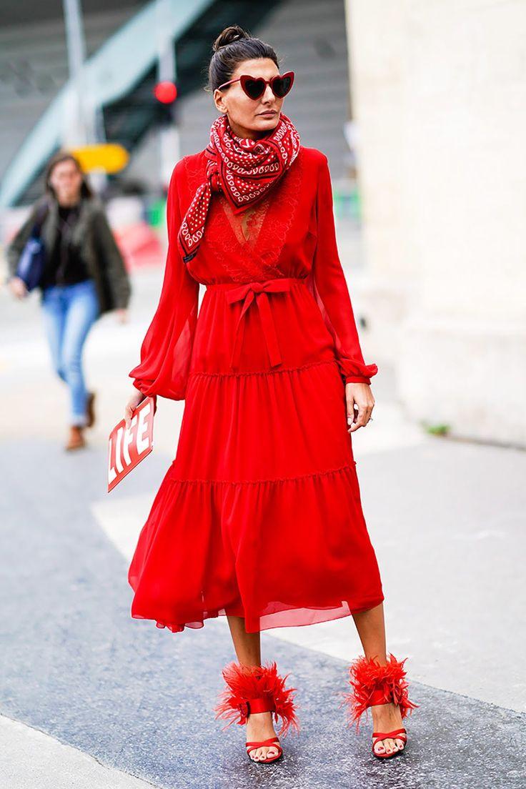 paris fashion week street style spring 2018 giovanna battaglia engelbert prada dress
