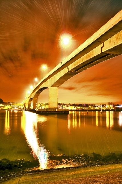 Itchen bridge, Southampton, Hampshire Have never before thought of the Itchen Bridge as a 'favourite' but this pic is showing it at its best..