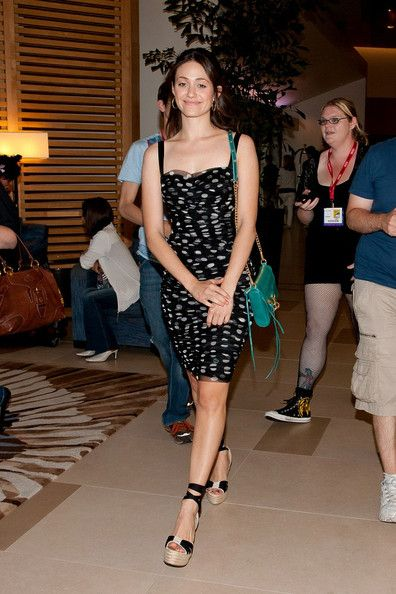 Emmy Rossum Long Wavy Cut - Emmy Rossum Looks - StyleBistro