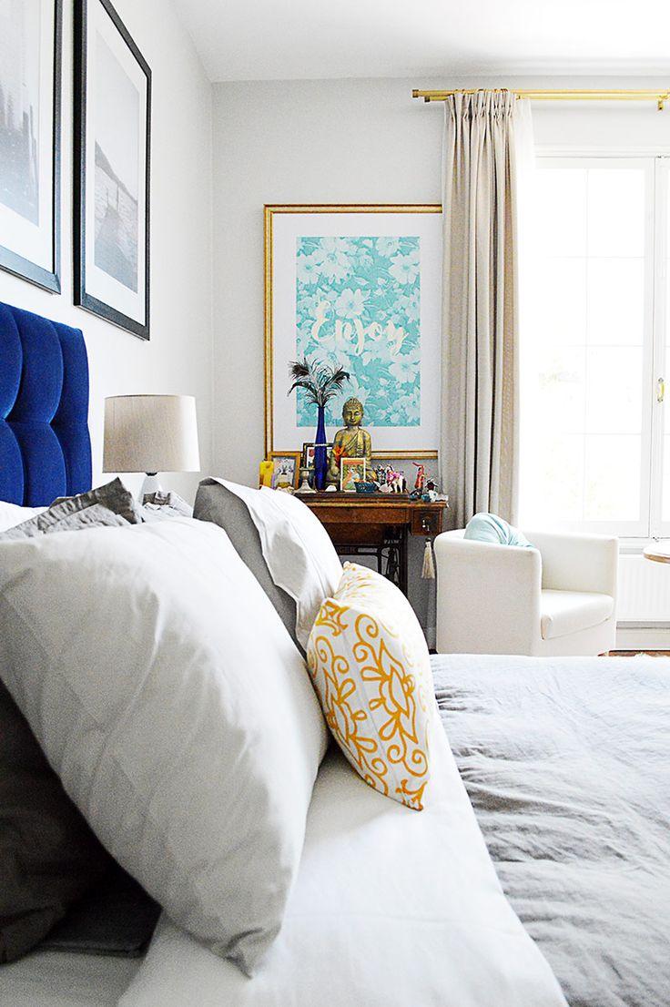 Mid-century modern bedroom decor