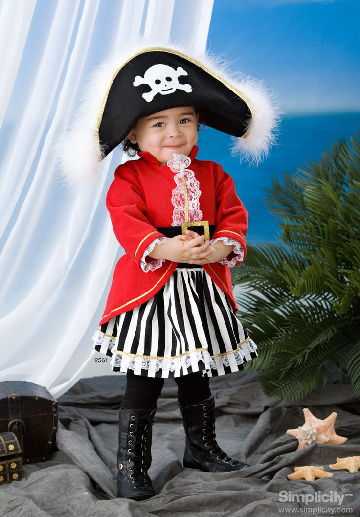 Cute and Sassy Pirate Costume for your toddler this #Halloween #SimplicityPatterns