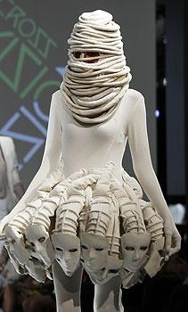 masks: Hong Kong, Fashion Weeks, Costumes, Masks, Kong Fashion, Avant-Garde, Hautecouture, Wear, Forefront
