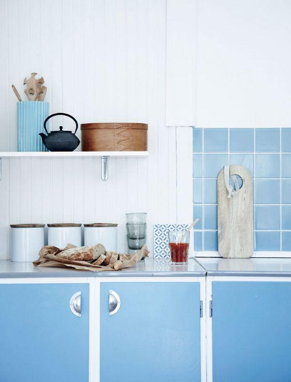 Det fineste blå sommerhuskøkken