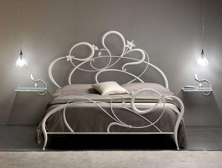 Anemone, Double bed in wrought iron, curved lines