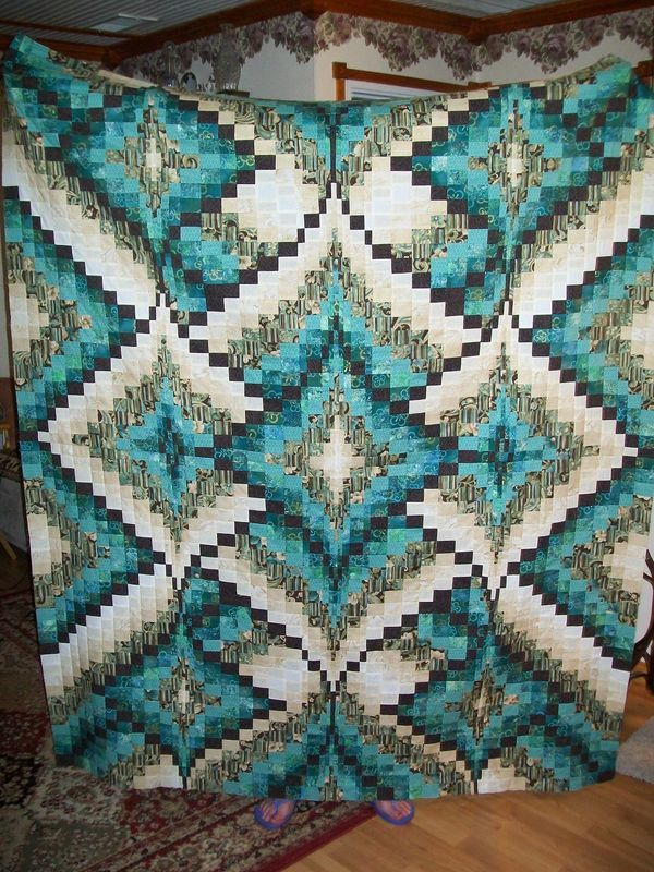 Diamond Bargello - pattern at http://www.quiltersqrtrs.com/