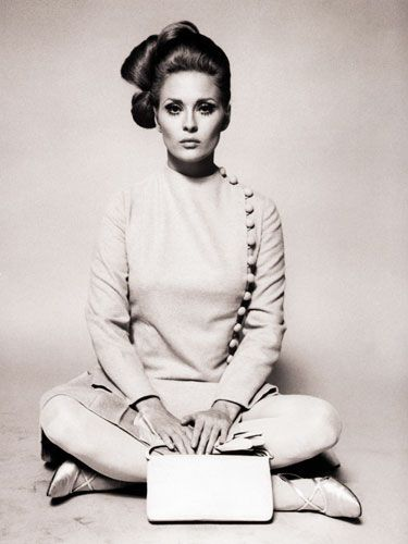 "Faye Dunaway ...best film I loved her in ""Bonnie & Clyde"" & ""Eyes of Laura Mars"" !!"