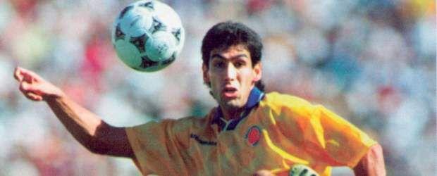 Andres Escobar con la maglia della nazionale colombiana