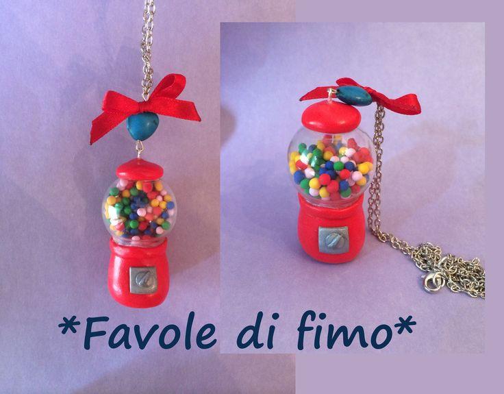 collana con distributore di caramelle :)