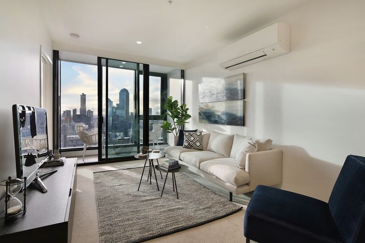 Platinum Tower is Melbourne's newest landmark. Located in the exciting area of Southbank, living in Platinum provides you comfort and convenience. Brand new 2 and 3 bedroom apartments are now ready for you to move in. For enquiries please call: 03-9667 0444.