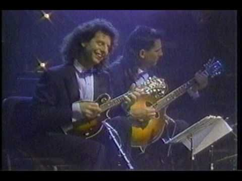 Modern Mandolin Quartet w/ Sam Bush and Peter Ostroushko - Russian Rag (...