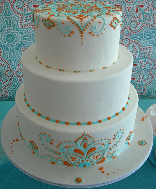 one of the most simply elegant henna style cakes. love.