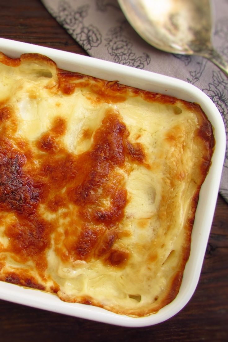 Meat cannelloni | Food From Portugal. Want to prepare a meal for your friends? We suggest this meat cannelloni recipe, have excellent presentation and all your friends will like this delicious recipe in the oven!