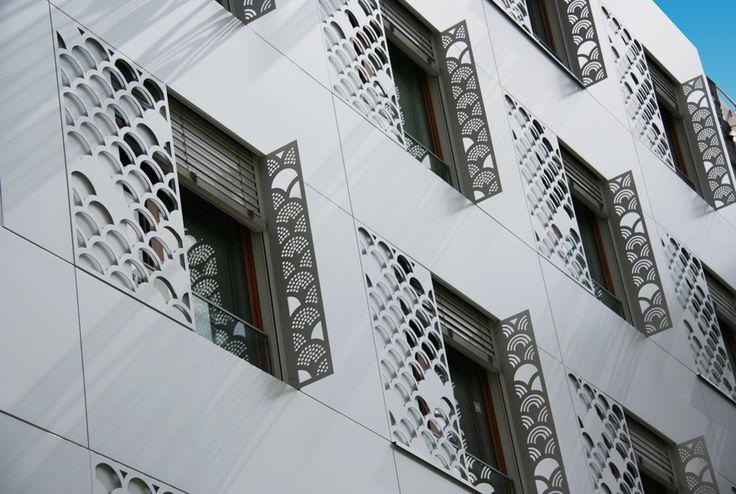 Ehpad Rue de Charonnes - larson ®, White Metallic - Paris (FRANCE)
