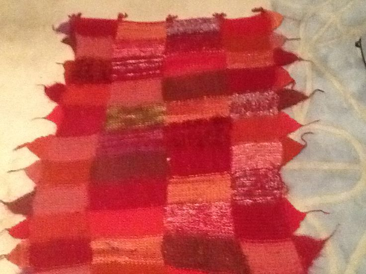 2010, I knitted this red blanket when Mum was in hosp, gave it to CM who loves red. 20 stitches x 10 rows in one block-- 12 rows of 4 blocks,