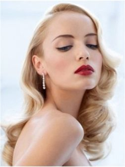 Retro Spring Hair ==== Visit http://www.makeupbymisscee.com/ for more ideas on hair and makeup. #hairstyle #hair #spring