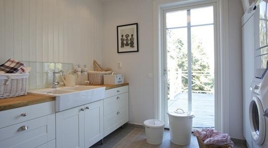 Tvättstuga. Inredning och ho från Ikea.