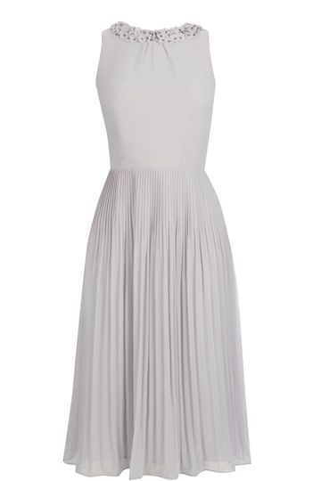 It is the seriously ladylike midi dress that is caught everyones eye at Oasis HQ. We love the pleats. We love the swishy skirt. We love the chic silvery grey shade.