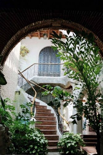 I love courtyards...and this one makes my heart skip a beat...: Stairs, Dream, Outdoor, House, Architecture, Places, Garden