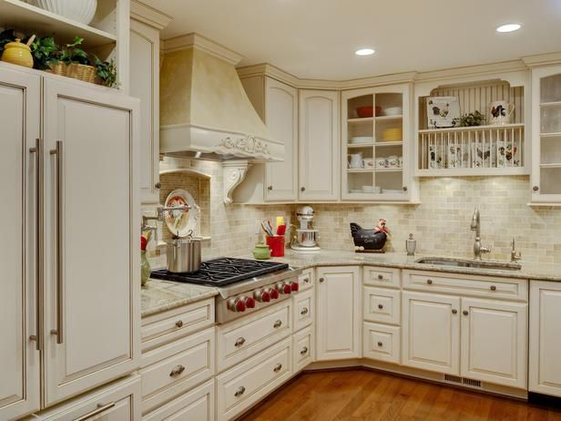 A Complete Change Of Scene From Outdated Oak Cabinets Tile Countertops And Plain White Appliances This New Kitchen Provides All The Style And Function The