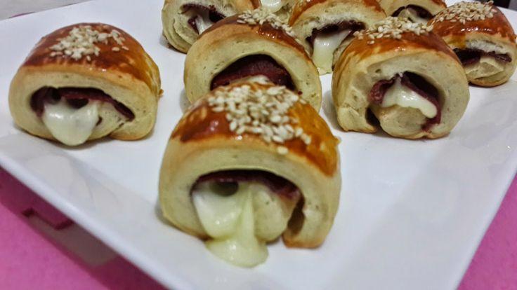 Emel'in Mutfağı: Pastırmalı ve Kaşar Peynirli Rulo Poğaça
