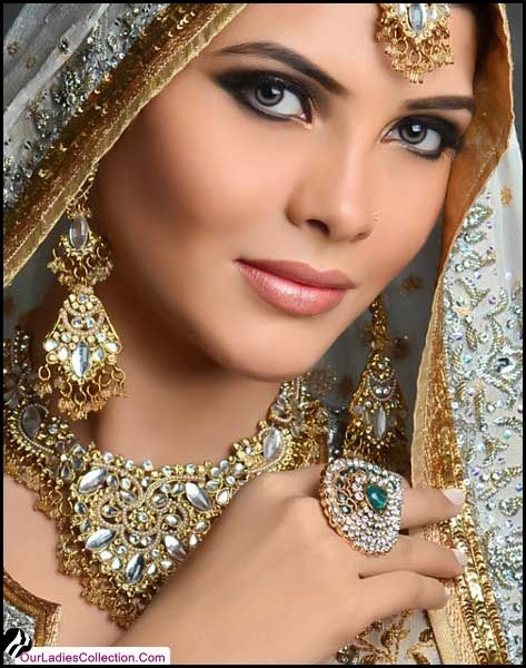 Latest Bridal Makeup & Hair Collection 2012 Styles By N-Pro Nabila Salon ~ Latest Pakistani Fashion,Bollywood Fashion,Hollywood Fashion,Ladies Fashion,Men Fashion.