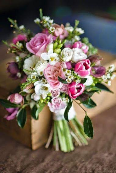 Bouquet multiples pointes de rose
