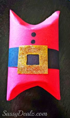 Make this santa suit toilet paper roll gift box for a Christmas craft! Kids will love this art project for the holidays.
