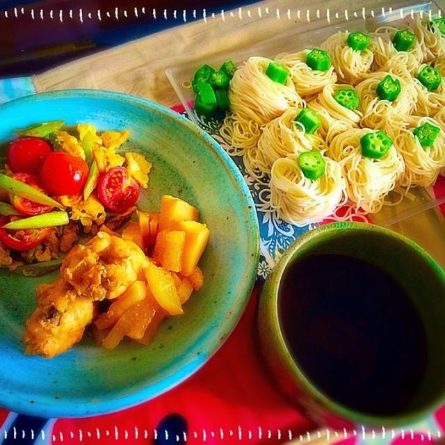 今日のランチは。 サッパリと素麺で。 フォークでクルクルまいた素麺の 上に。 薬味のオクラをのせて(^.^) - 17件のもぐもぐ - 素麺ランチ by 2690sayuri